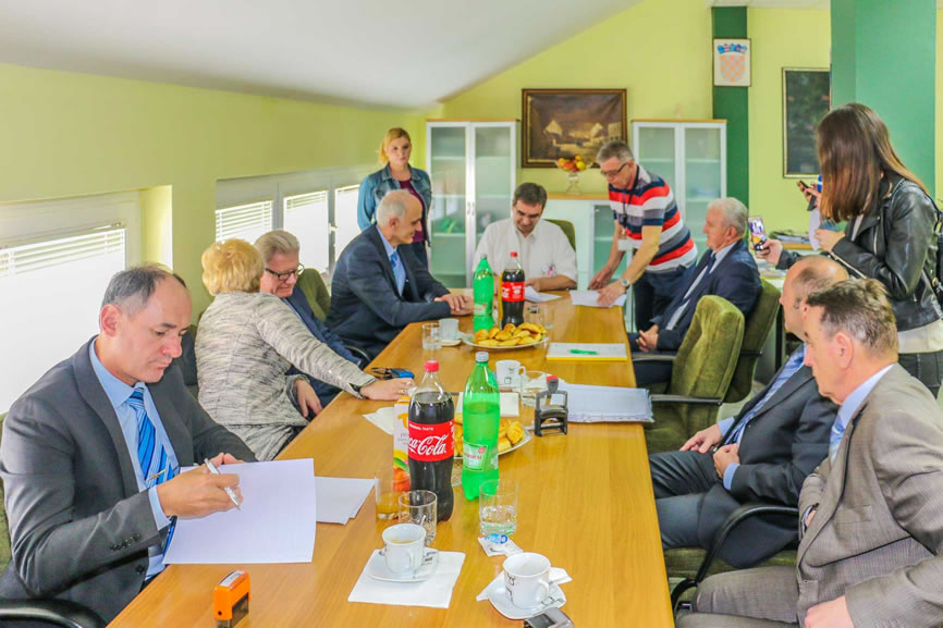 Potpisivanje ugovora s dobavljačima opreme