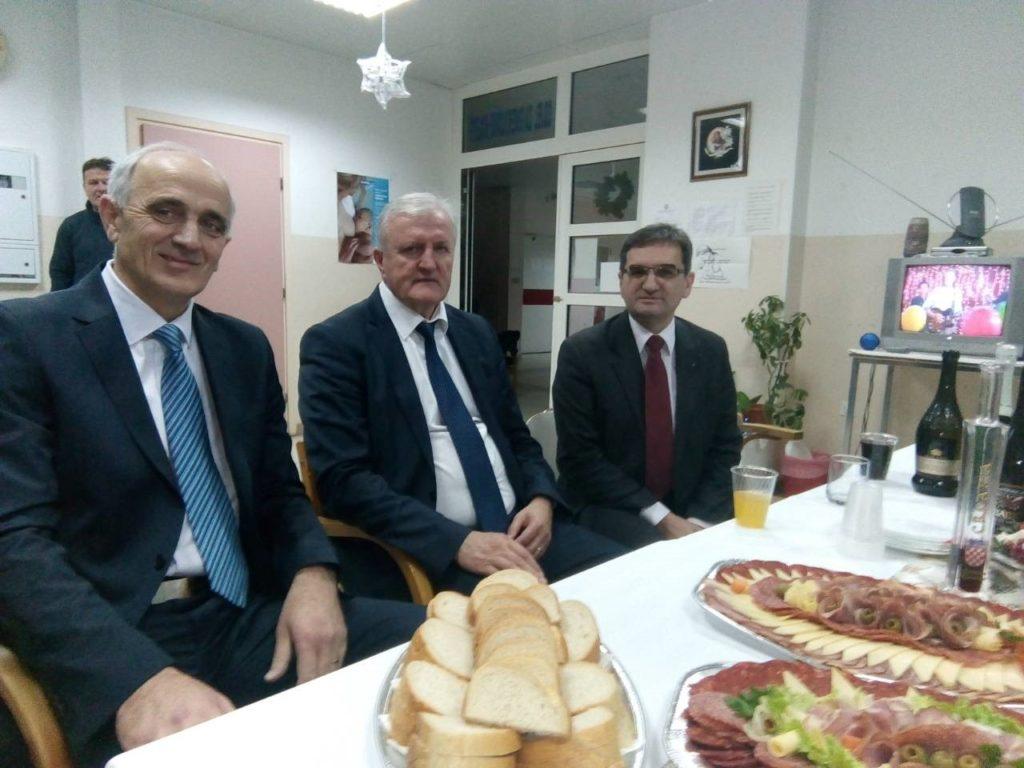 Župan u novogodišnjoj noći posjetio vinkovačku bolnicu